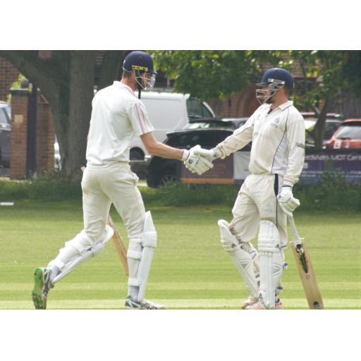 Partnership between Matt Hardy and Alfie Huntley help 1st XI cruise to victory at home to Chestfield